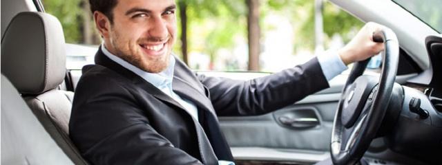Почему выгодно арендовать авто с водителем